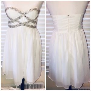 a. Drea Dresses - White Strapless Dress Silver Beads Size Small